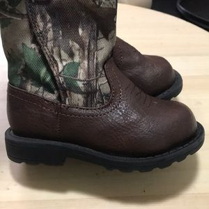 Toddler boots - camouflage top. Size 4.